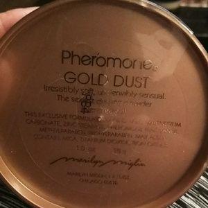 Makeup - Pheromone gold dust new sealed